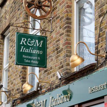 Rm Restaurant Ouside
